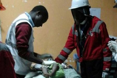 Rescatan a bebé a cuatro días de derrumbe de edificio en Kenia