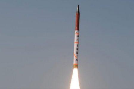 India prueba con éxito misil con capacidad nuclear