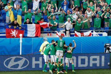 Irlanda del Norte obtiene triunfo histórico en la Euro