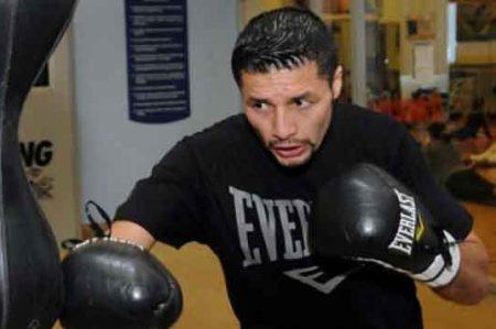 Guardia de cárcel peleará contra Jhonny González
