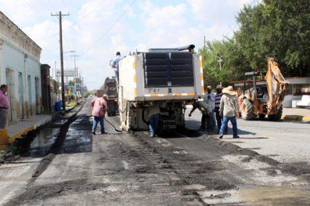 Invierten más de 40 millones en pavimento en Camargo