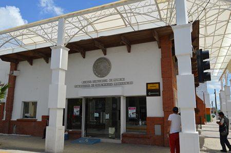 Cierran oficina de Pasaportes por vacaciones