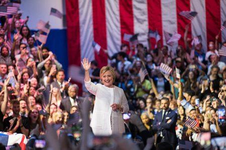 Hillary hace historia como la primera mujer candidata a la presidencia de Estados Unidos
