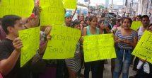 Protestan comerciantes por desalojos en Monterrey