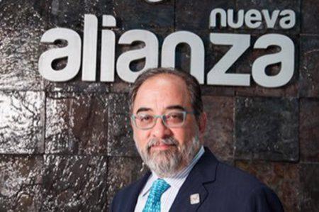 Casa de 300 mil pesos y cuenta en España, posee líder del Panal