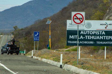 PF reporta cortes viales en casetas y autopistas de Oaxaca