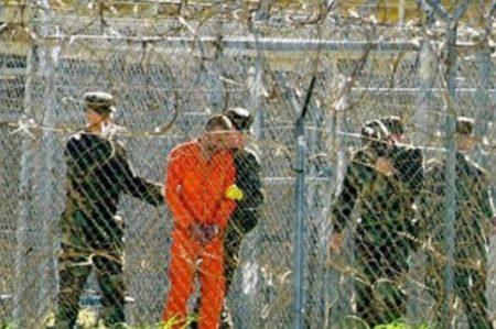 Transfieren a los Emiratos Árabes a 15 presos de Guantánamo