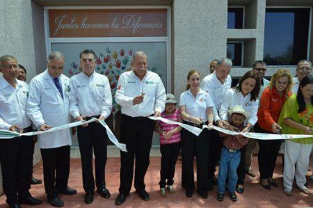 Inauguran sala de tratamiento oncológico