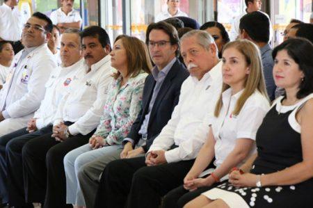 Acompaña Gustavo Torres al gobernador Egidio Torre a visita en CRIT
