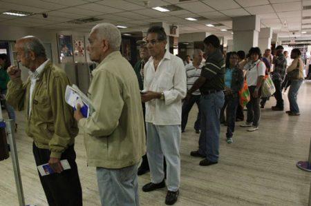 Pemex y CFE destinarán 113 mmdp a pensionados