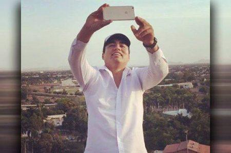 Renuncia funcionario que se burló de los que no tienen iPhone 7