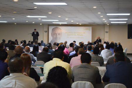 Miguel Carbonell explica la impartición de juicios orales