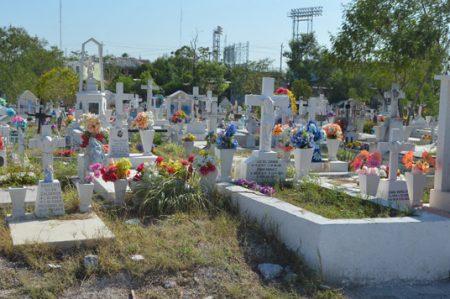 Panteones listos pra el 'Día de Muertos'