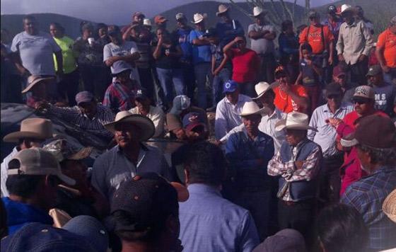 Autoridades desalojan acceso a mina Peñasquito en Zacatecas