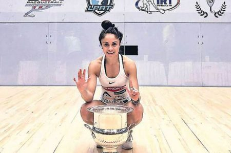 Paola Longoria refrenda título