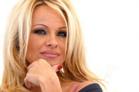 Video sexual me condenó y me hizo sentir sin valor: Pamela Anderson