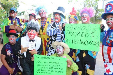 Payasos piden respetar su profesión con marcha en Tabasco