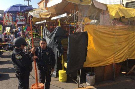 Hallan cuerpo de indigente en mercado Jamaica