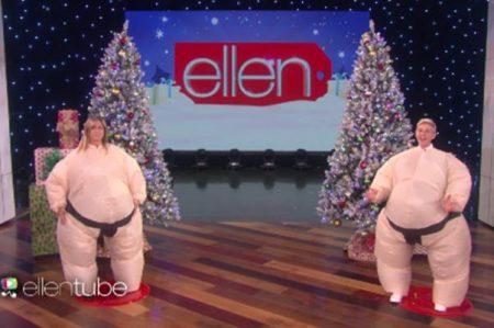 Jennifer Aniston y Ellen DeGeneres,'luchadoras' de sumo