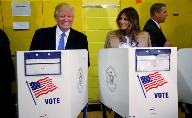 Trump votó en Manhattan y asegura que todo está saliendo