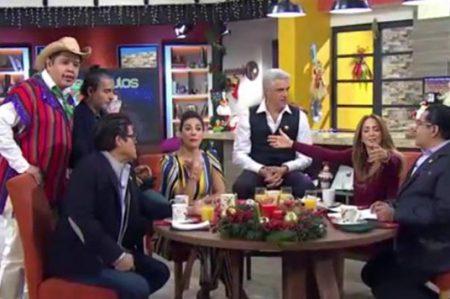 Andrea Legarreta y Galilea le ofrecen regalos a Rubí