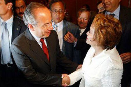 Culpan a Calderón y Gordillo por resultados mediocres en educación