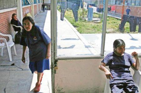 Aumentan niños que viven con sus madres en penales