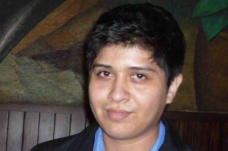 Estudiante UAT diseña software para búsqueda de información genómica