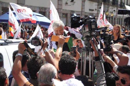 AMLO iniciará gira por EU en defensa de migrantes mexicanos