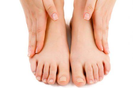 Cinco tips para eliminar el mal olor de pies