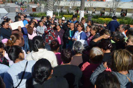 Vecinos demandan servicios