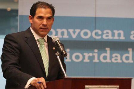 Considera Escudero intromisión 'no grave' opiniones de Kelly y McCain