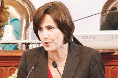 Patricia Mercado agradece a Constituyentes por Carta Magna