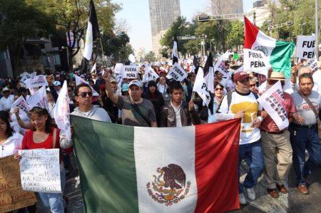 Policía Federal reporta 14 bloqueos en carreteras de 7 estados