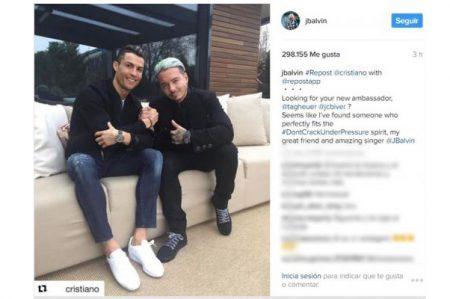 J Balvin y Cristiano Ronaldo presumen amistad
