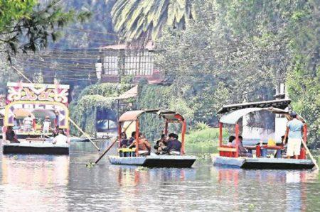Hombre ebrio muere ahogado en canales de Xochimilco