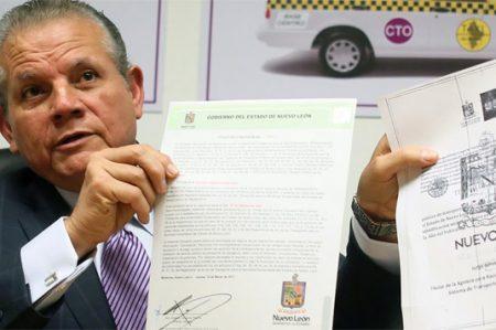 Cancela Estado 916 concesiones de taxi