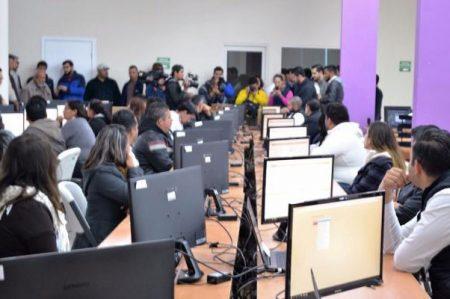 Entregan firmas 27 aspirantes a candidatos independientes en Coahuila