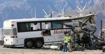 Mueren 13 ancianos al impactarse el autobús en el que viajaban