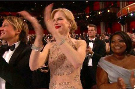 Nicole Kidman explica su 'rara' forma de aplaudir en los Oscar