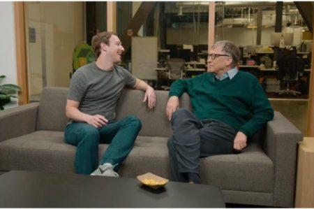 Zuckerberg pide consejo a Gates para dar discurso en Harvard
