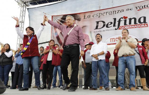 Nuevo video muestra a Eva Cadena recibiendo más dinero para López Obrador