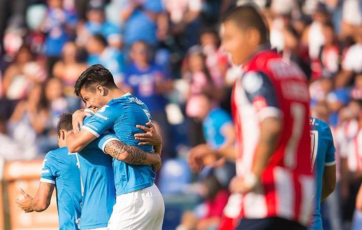 Billy lo hace oficial: Cruz Azul jugará en el Azteca