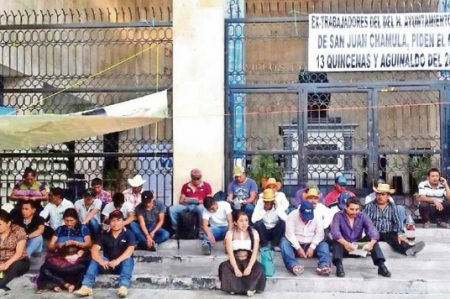Tzotziles, en huelga de hambre; alcaldía les adeuda 13 quincenas