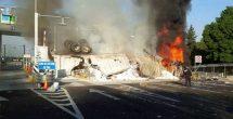 Muere una persona en incendio de tráiler en la México-Toluca