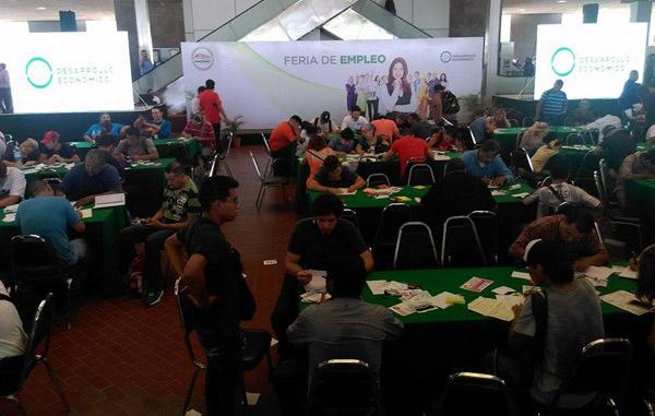 Ofrece Monterrey 13 mil vacantes en Feria del Empleo