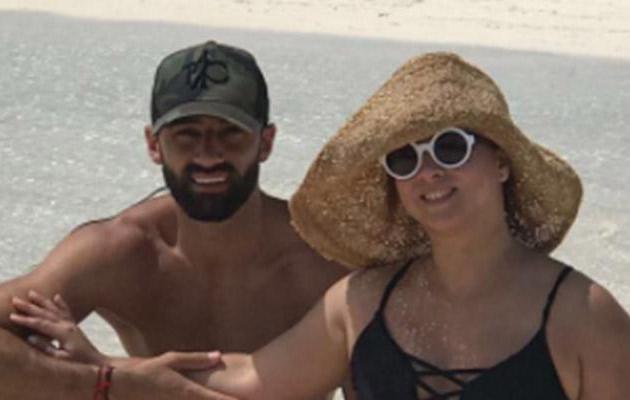 Adamari López publicó foto en bikini sin imaginar lo que pasaría