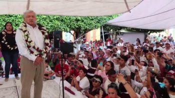 López Obrador pide a Peña evitar casos como el de Palmarito