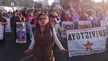 Padres de normalistas advierten que intensificarán protestas