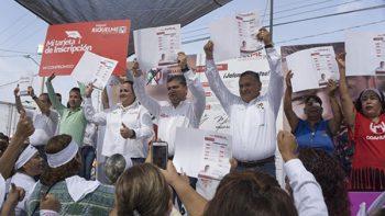 Primordial una política pública enfocada a las familias, reconoce Riquelme